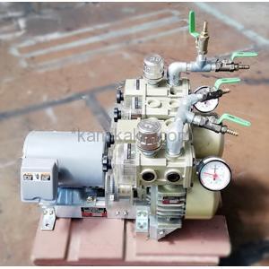 ドライ真空ポンプ 2シリンダーコンビネーションポンプCBSシリーズ 15/U オリオン(ORION)製