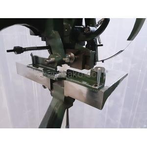 有線綴じ機 1ヘッド 型式不明 株式会社秀工舎(SHUKOSHA)製