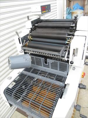 """単色オフセット印刷機 3200CCD """"A3判対応"""" リョービ(RYOBI)製 「封筒やチラシの小ロット生産に最適★給湿方式は水量調整がしやすい""""クレストライン連続給水""""」"""